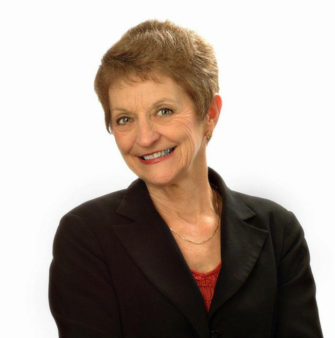 Lindamay Woosley, Principal Broker in Hood River, Windermere