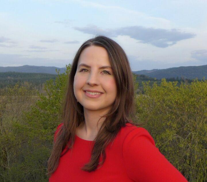 Kellie Pavlov,  in Bellevue, Windermere