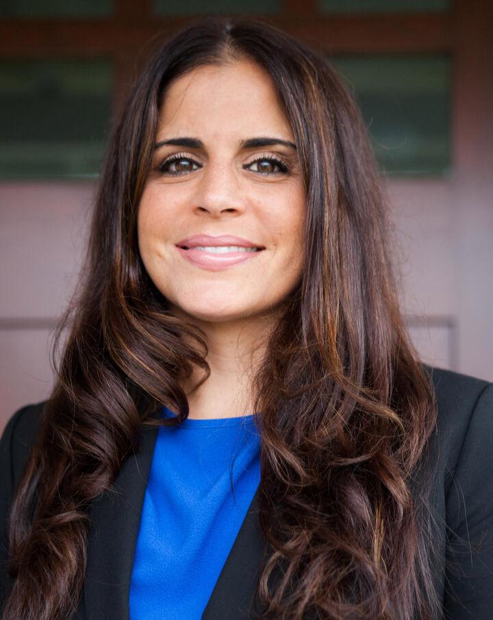 Regina Fisicaro,  in Burlingame, Sereno