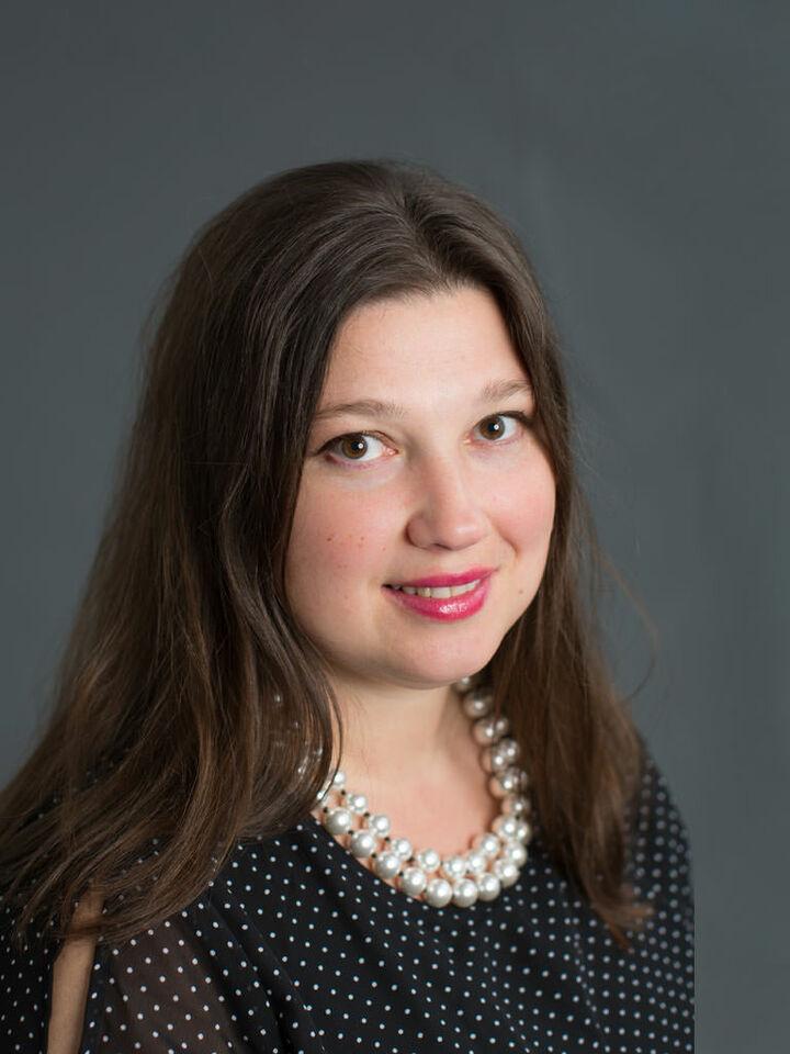 Oksana Khikhol, REALTOR® in Harrisonburg, Kline May Realty