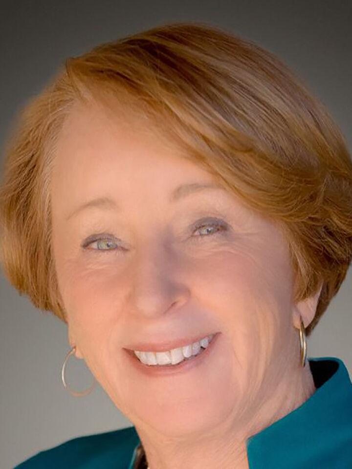 Jackie Nicoli,  in Los Altos, Intero Real Estate