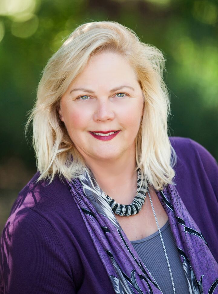 Victoria Lynn Curtis, East Bay Real Estate Expert in Berkeley, Better Homes and Gardens Reliance Partners
